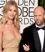 Rosie Huntington-Whiteley'in Nişan Yüzüğü